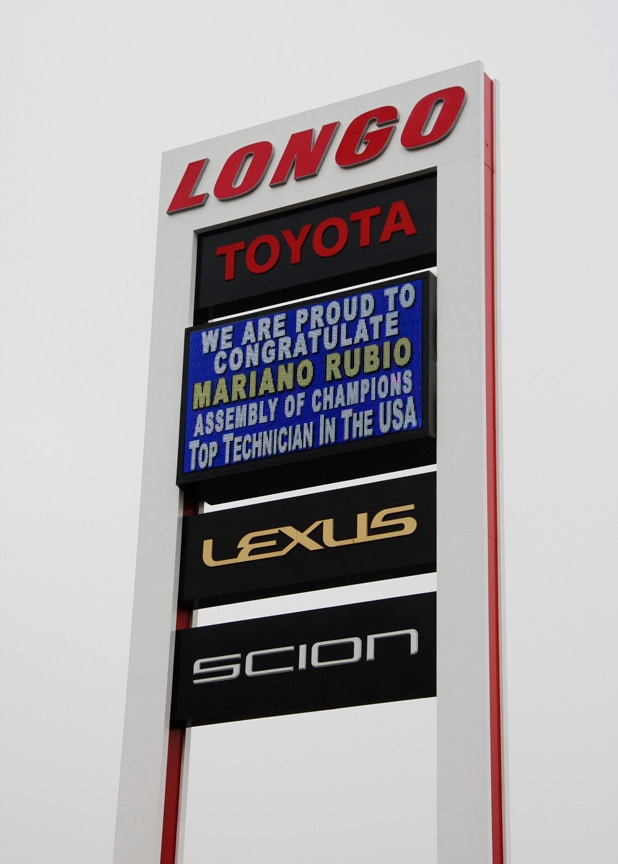 Mariano Honored on the Longo Sign