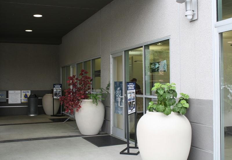 Norm Reeves Acura front entrance