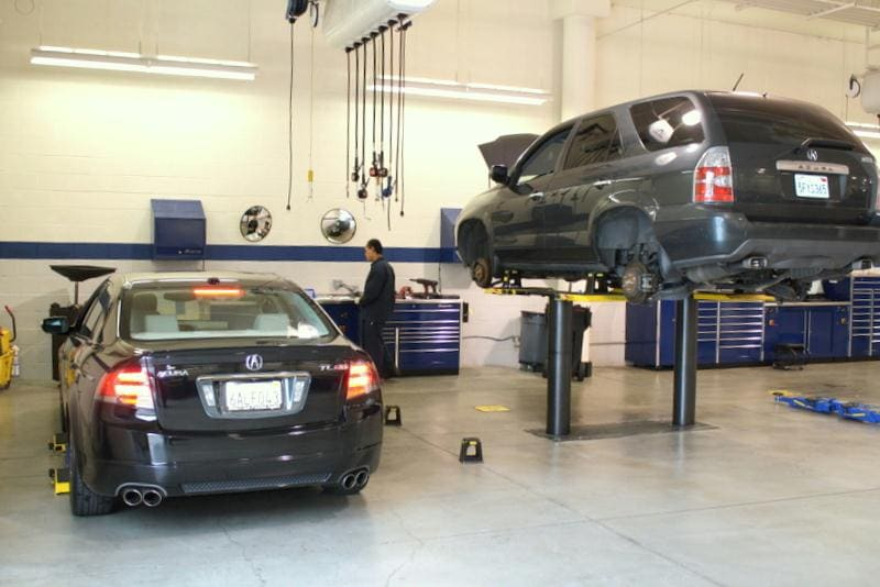 Norm Reeves Acura Service Garage