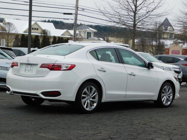 2016 Acura ILX 2.4L w/Premium Package (A8)