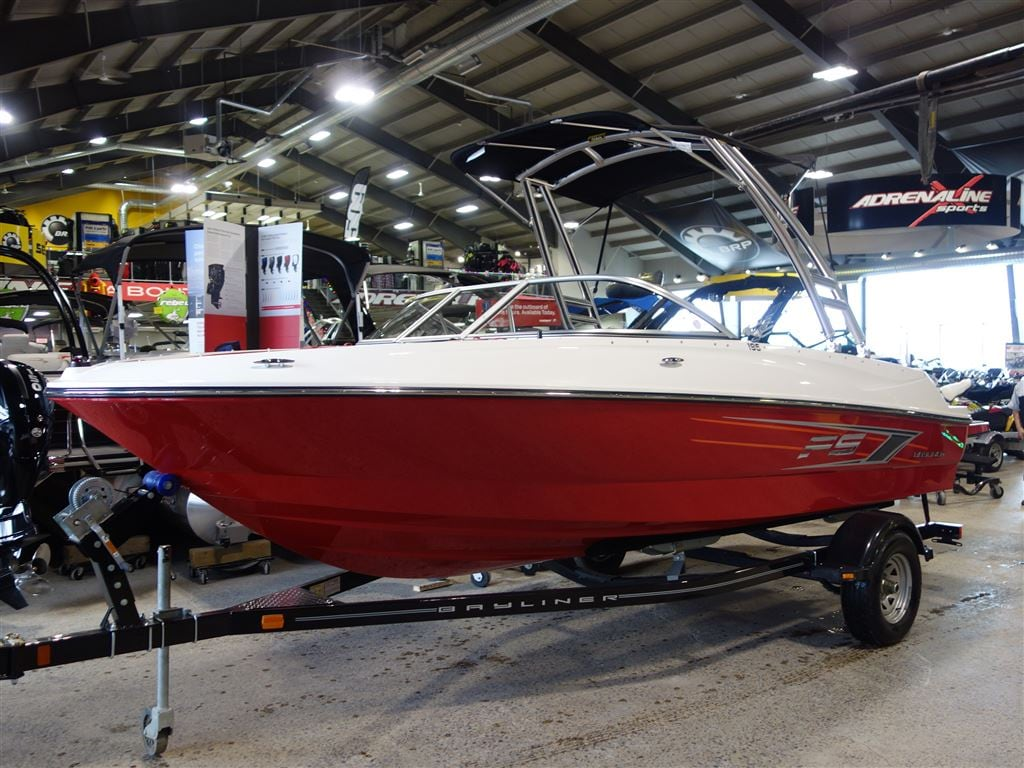 2015 BAYLINER 195 FLIGHT SERIES -