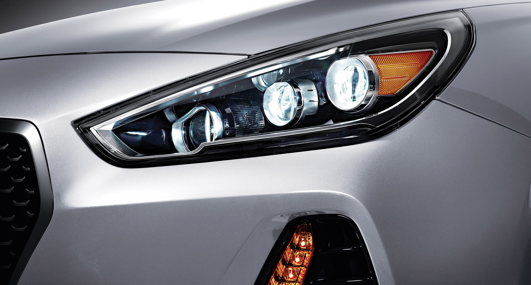 Full LED headlights with High Beam Assist