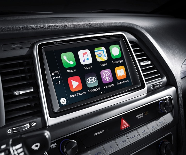 Android Auto™ and Apple CarPlay™ smartphone connectivity