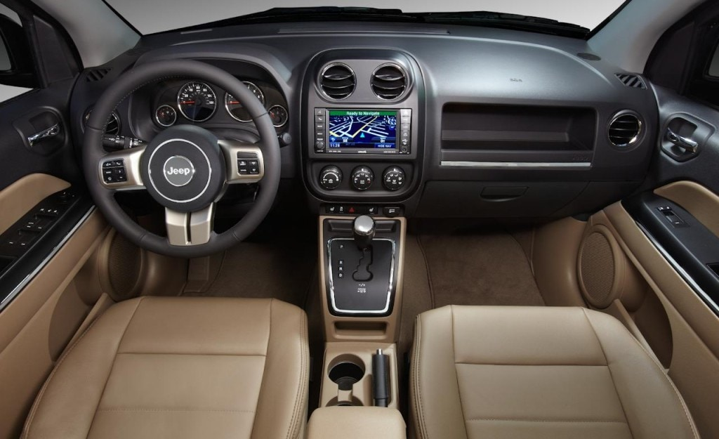 Jeep Compass vs Kia Sportage | Jeep Dealer Nashua NH