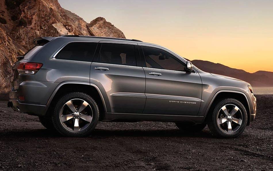 Jeep grand cherokee vs toyota 4runner allen mello cjdr - 2016 jeep grand cherokee exterior colors ...