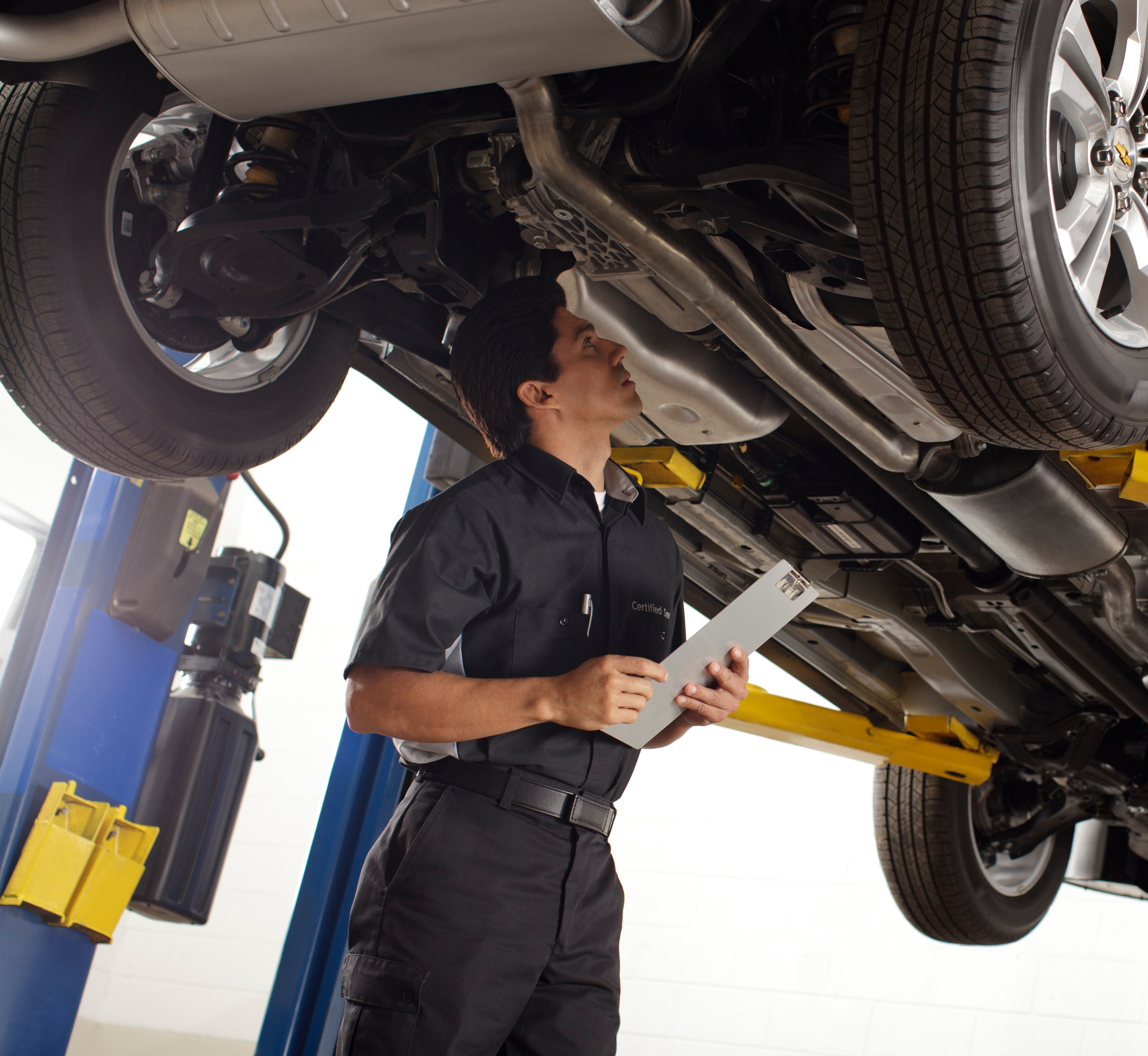 At apple used autos shakopee we take pride in fixing it right the first time our certified techs perform all work from oil changes to transmission