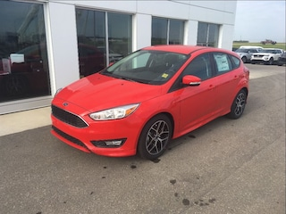 New 2017 Ford Focus SE Hatchback in Nisku
