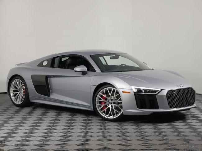 New 2017 Audi R8 5.2 V10 Coupe For Sale/Lease near Milwaukee in Brown Deer, WI
