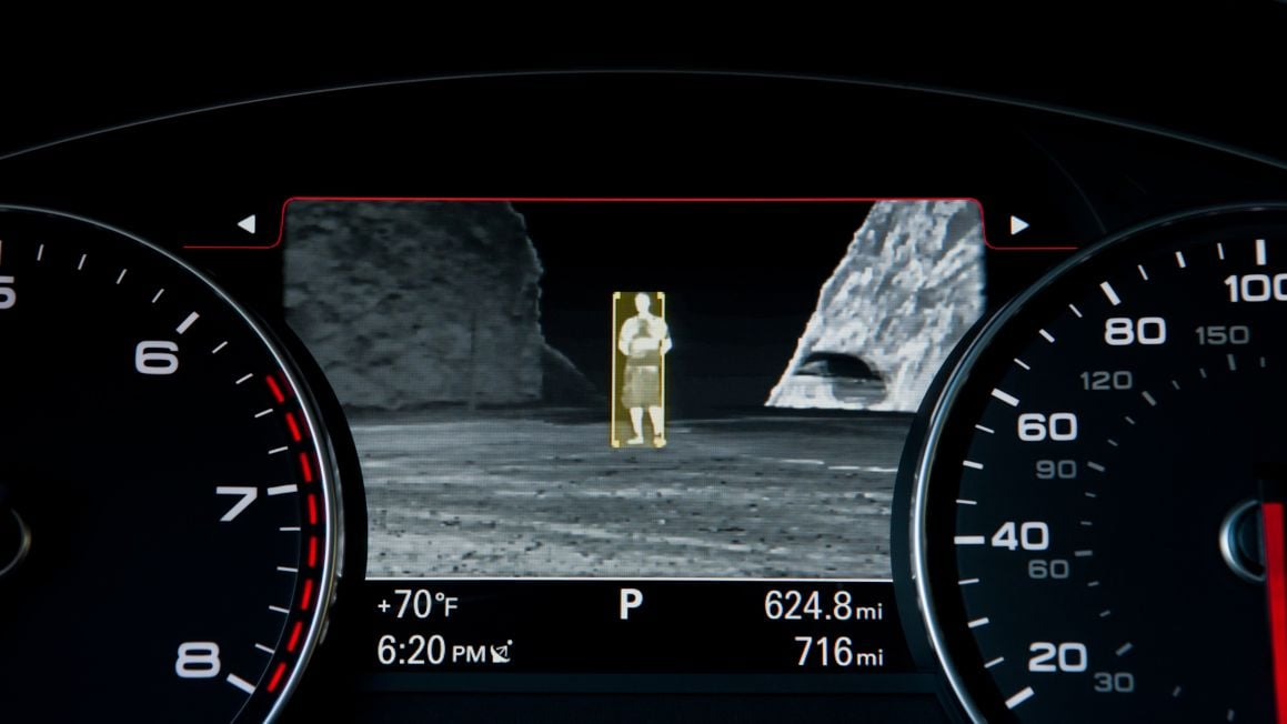 audi-a7-night-vision-assistant-pedestrian-detection