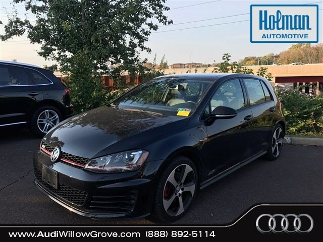 2015 Volkswagen Golf GTI 2.0T SE 4-Door Hatchback