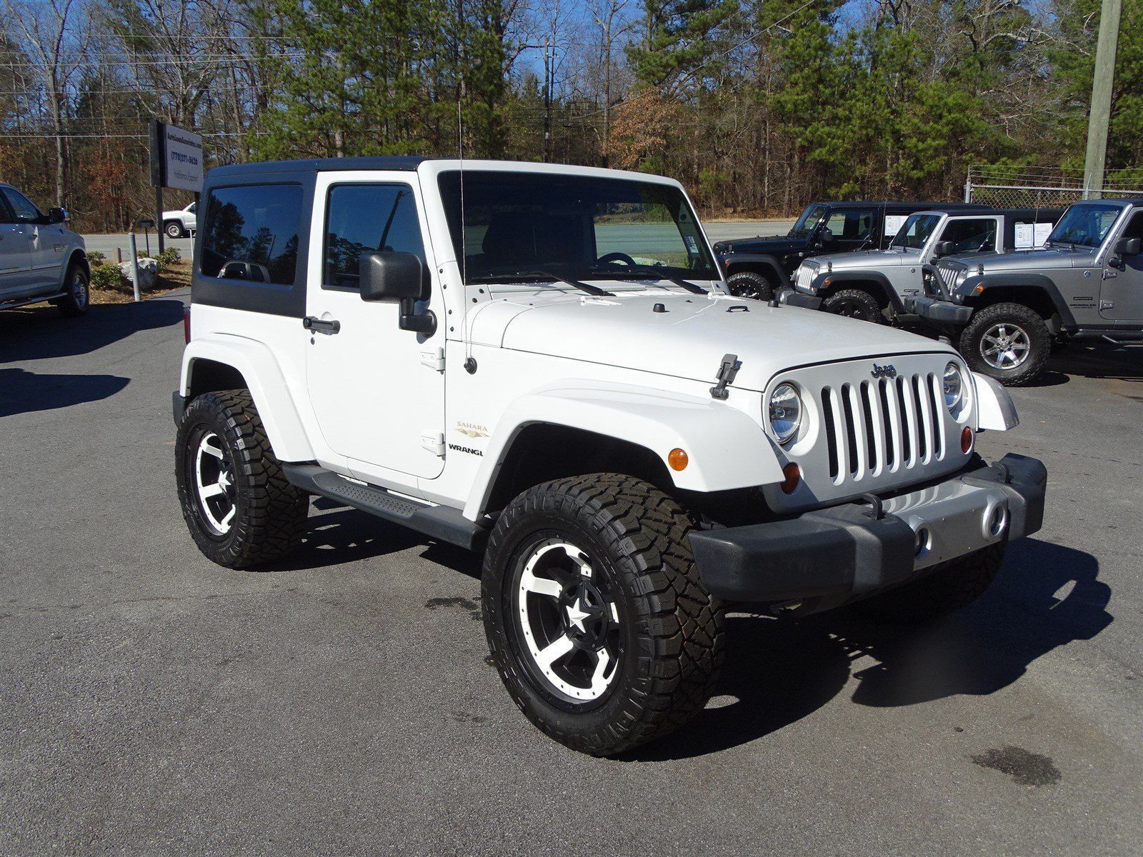 2012 Jeep Wrangler Sahara 4WD  1-Year SIRIUS Realtime Traffic Service 1-Year SIRIUS Travel Link