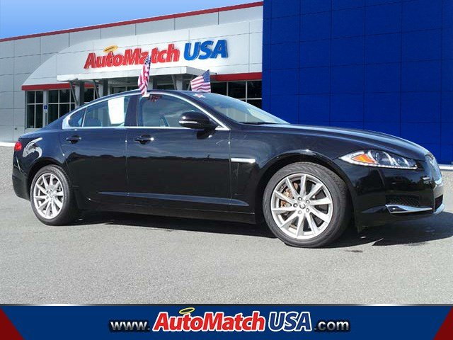 2013 Jaguar XF 2.0T Sedan