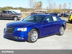 2018 Chrysler 300 Touring L 4dr Car
