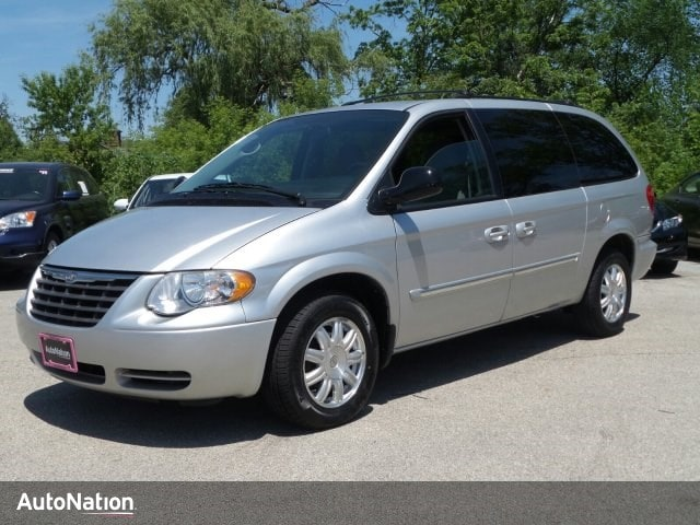 2006 Chrysler Town & Country LWB Touring Mini-van Passenger