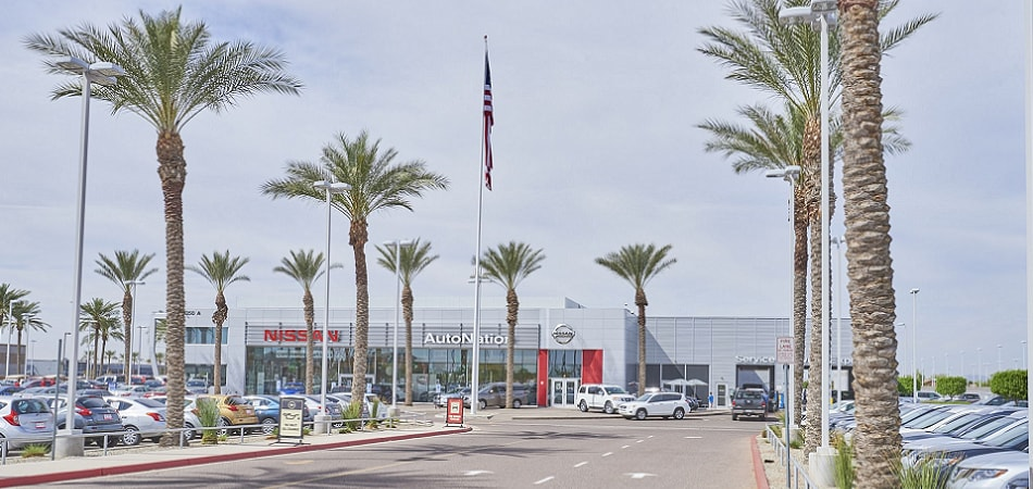 Exterior view of Nissan Chandler Serving Scottsdale
