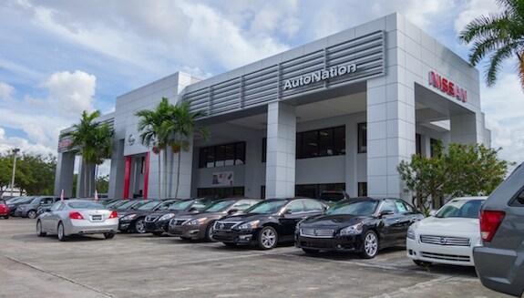 Exterior of AutoNation Nissan Pembroke Pines Dealership
