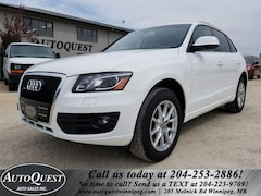 2010 Audi Q5 Premium - PANO SUNROOF, LEATHER, BLUETOOTH & MORE! SUV