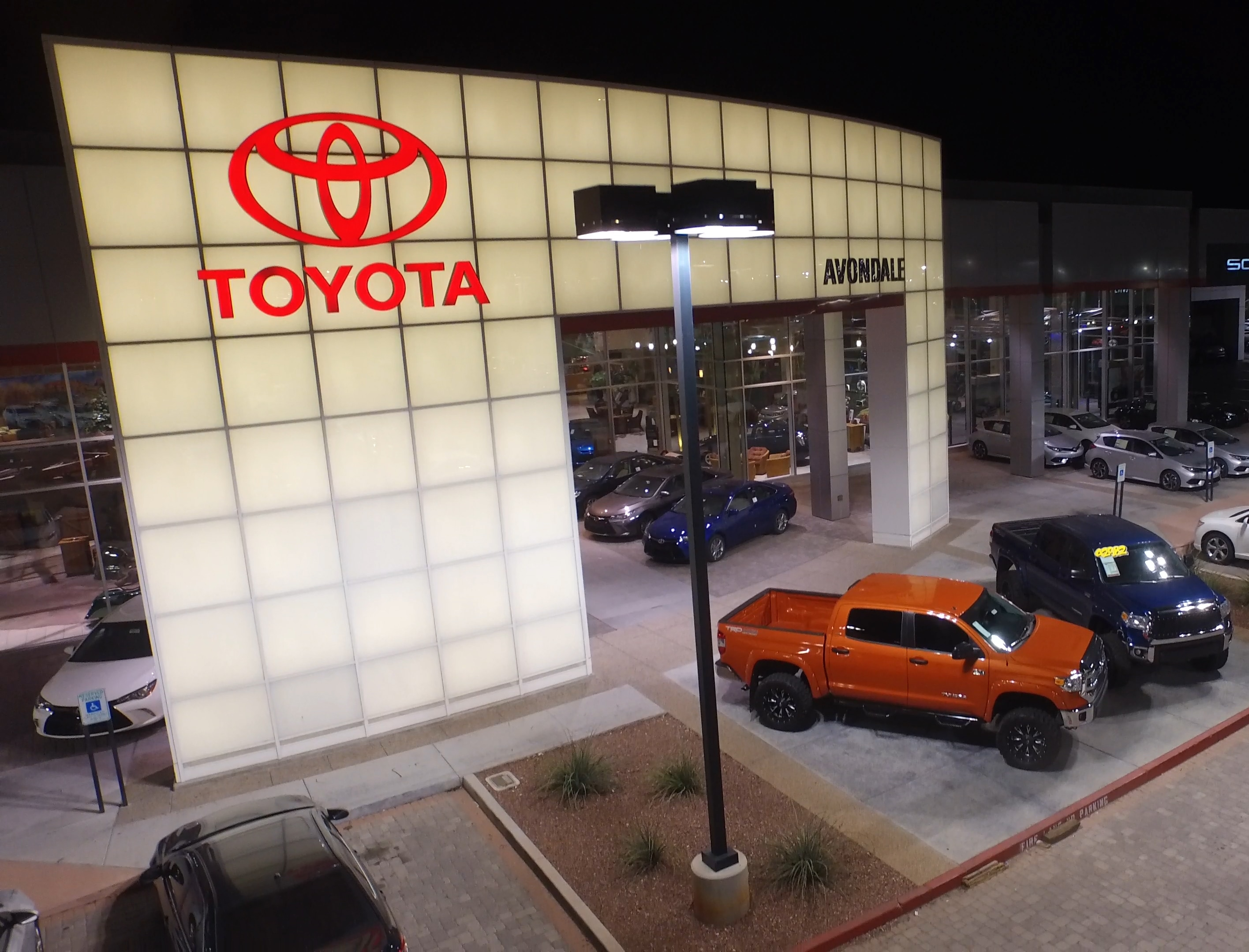 Avondale toyota car dealer serving phoenix tempe glendale az
