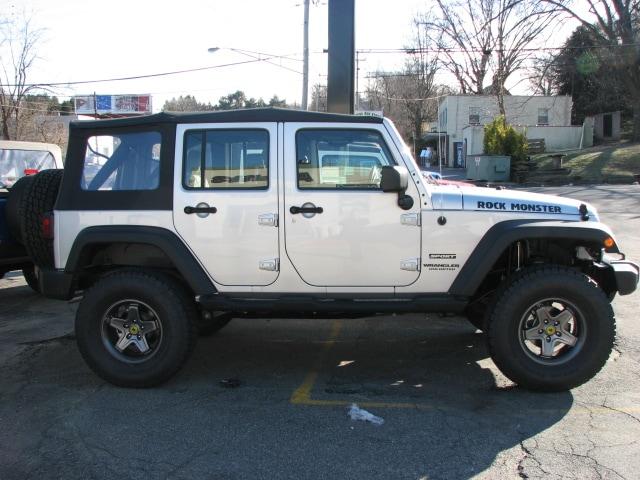 jeep wrangler unlimited 33 inch tires autos weblog. Black Bedroom Furniture Sets. Home Design Ideas