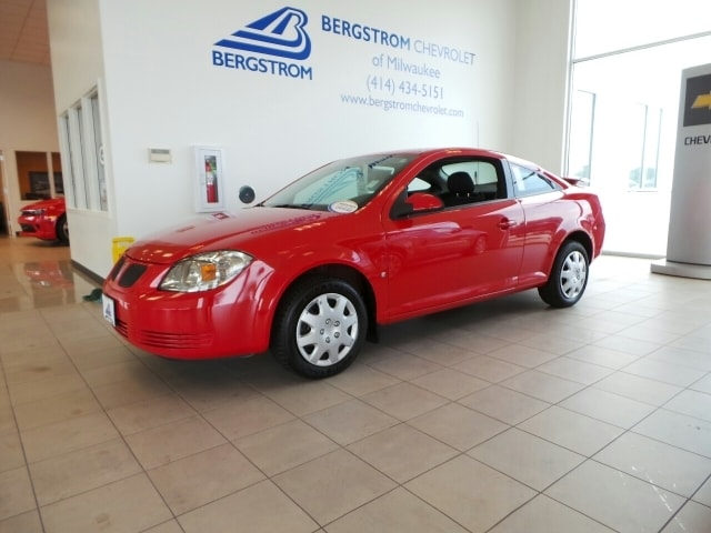 2009 Pontiac G5 2dr Cpe Not only is this car a delight to drive its reliable stylish and a grea