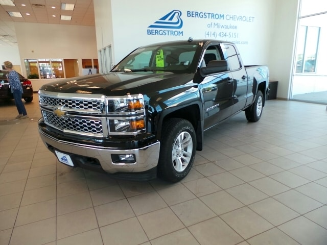 2014 Chevrolet Silverado 1500 4WD Double CAB 1435 LT W1LT CARFAX shows this vehicle as a one own
