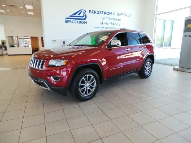 2014 Jeep Grand Cherokee 4WD 4DR Limited Very responsive and a joy to drive with great styling and