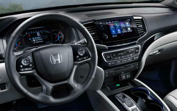 Baron Honda 2019 Honda Pilot East Patchoge,NY Driver View