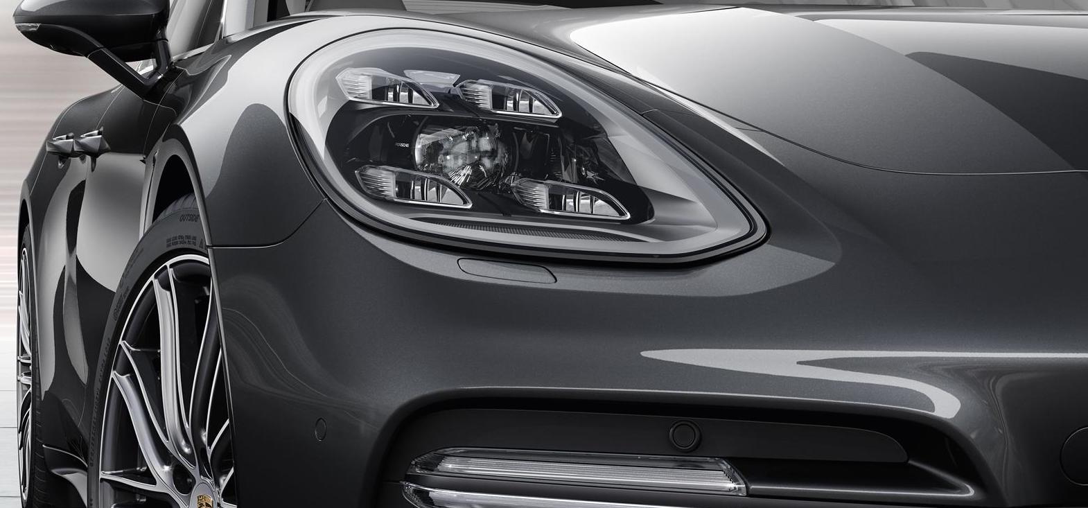 safety environment - Porsche Panamera Black And White