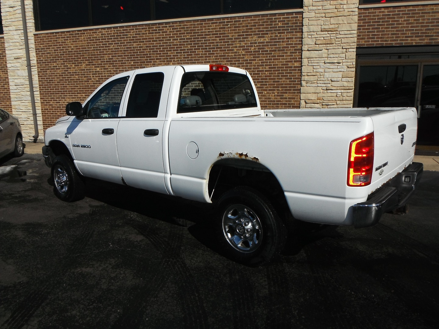 used 2006 dodge ram 2500 st 4x4 cummins turbo diesel for sale woodstock il. Black Bedroom Furniture Sets. Home Design Ideas