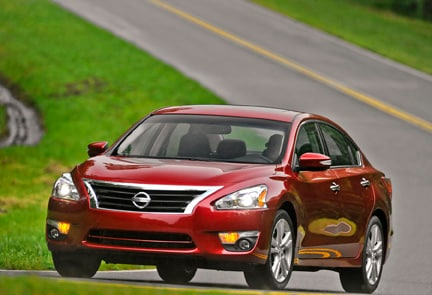 2013 Nissan Altima driving on road