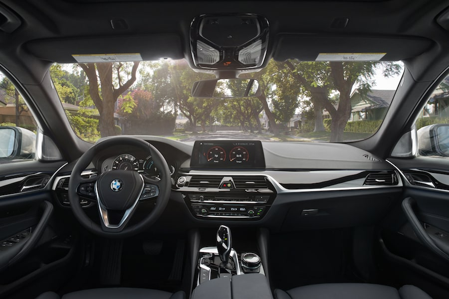 BMW 5 Series Interior Technology