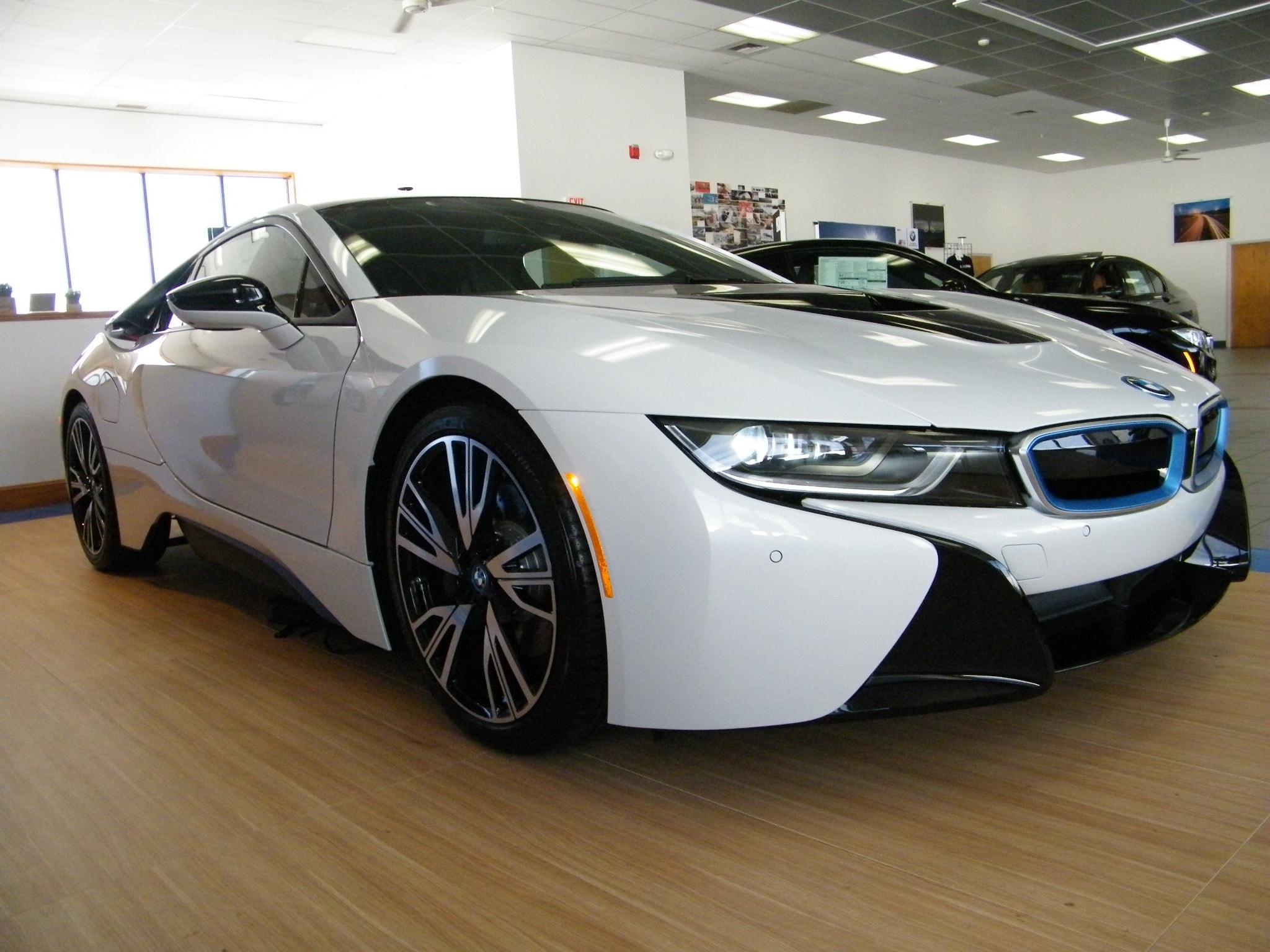 New 2015 BMW i8, $142295