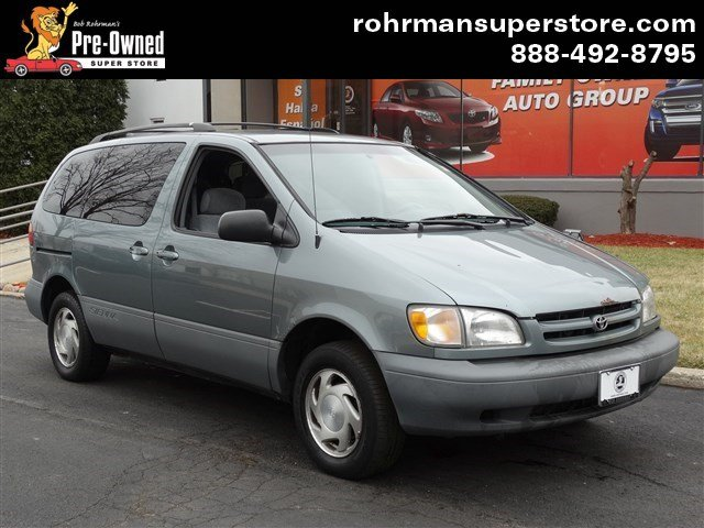 1999 Toyota Sienna LE Thank you for choosing the Bob Rohrmans Pre-Owned Superstore as one of your