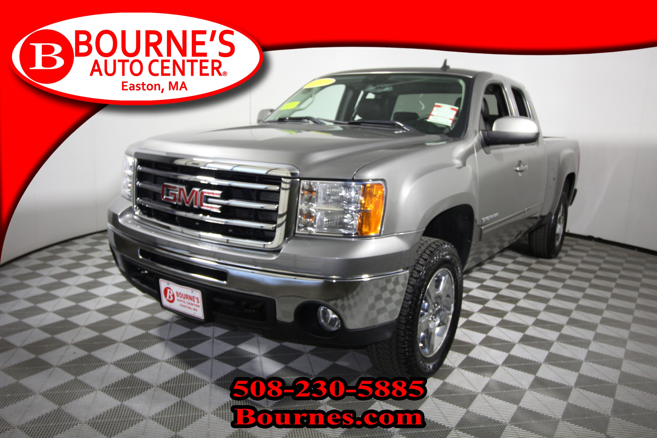2012 GMC Extended Cab Sierra 1500 4WD SLT w/ Leather And Heated Front Seats. Truck Extended Cab