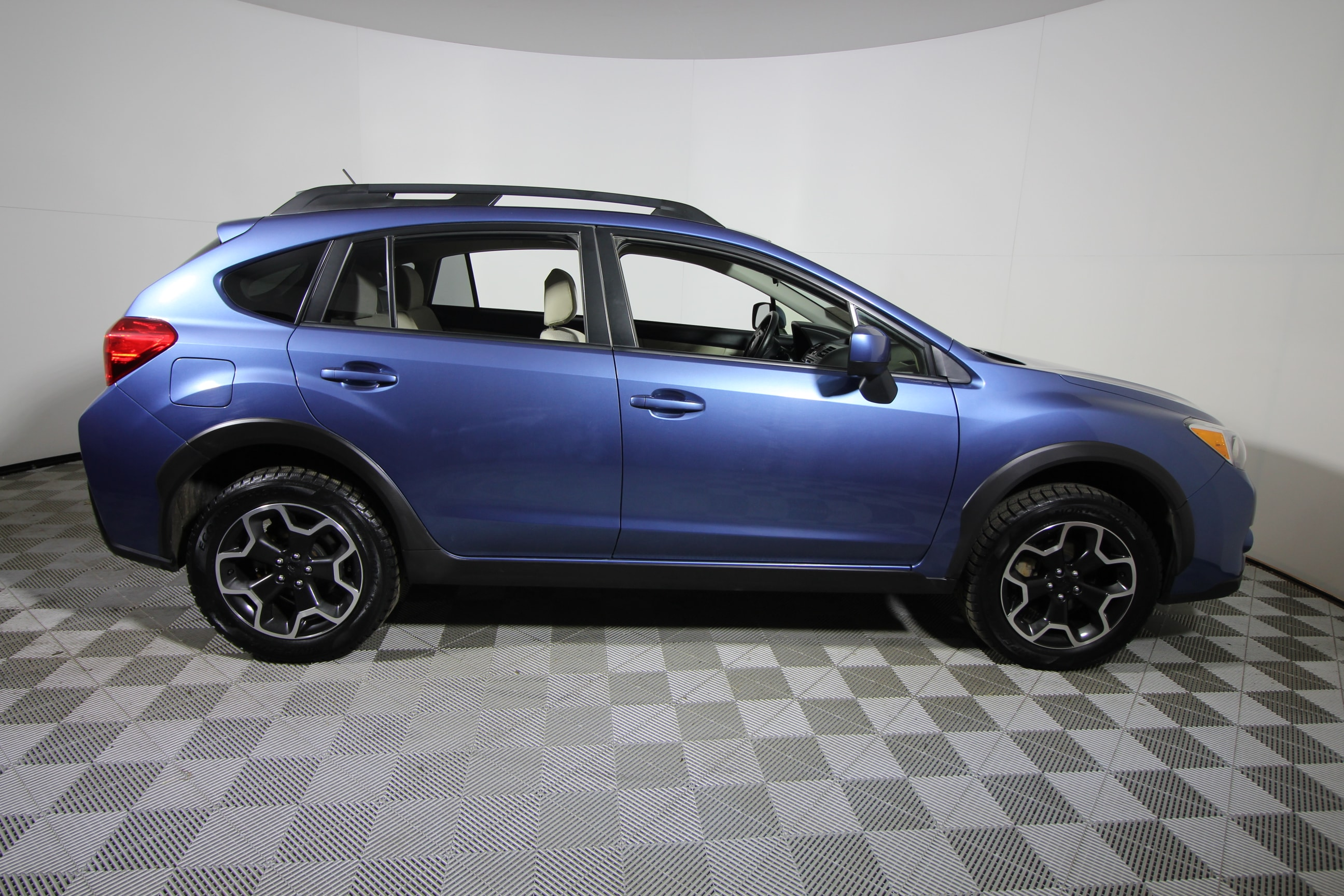 2014 subaru xv crosstrek used 16990. Black Bedroom Furniture Sets. Home Design Ideas