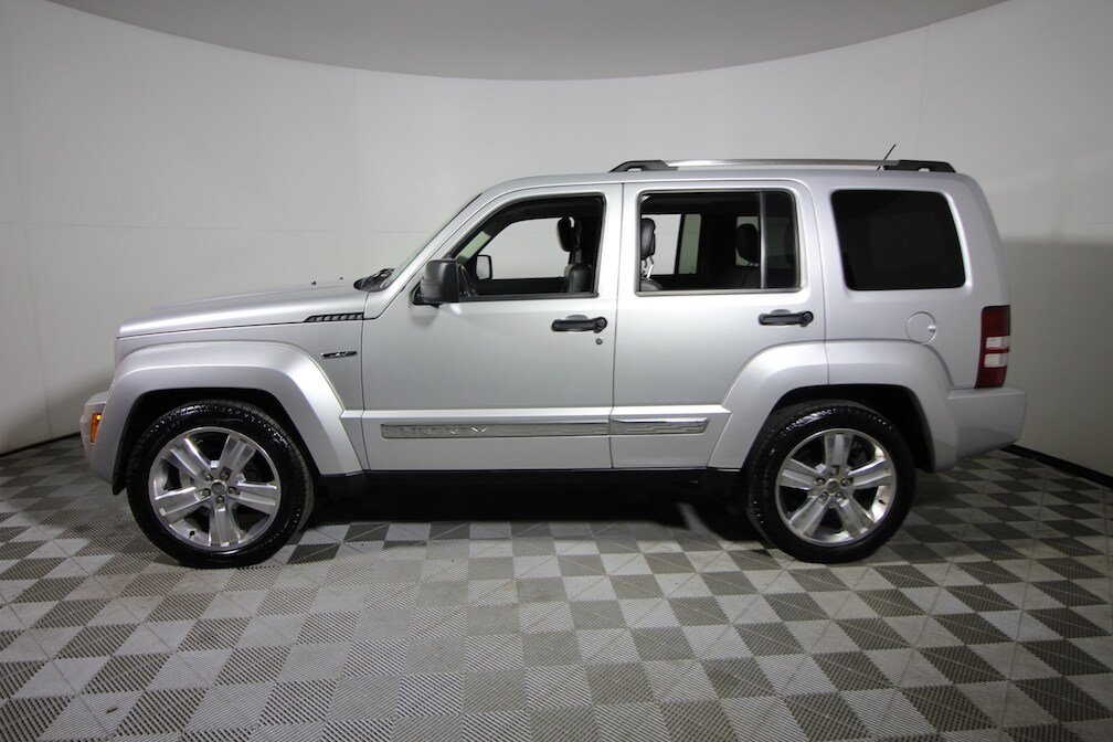2011 jeep liberty used 12590. Black Bedroom Furniture Sets. Home Design Ideas