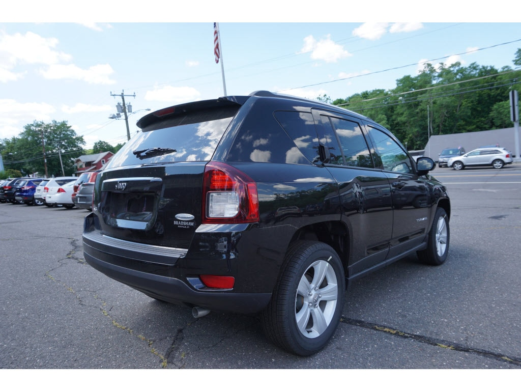 new 2016 jeep compass latitude for sale oakville ct. Black Bedroom Furniture Sets. Home Design Ideas