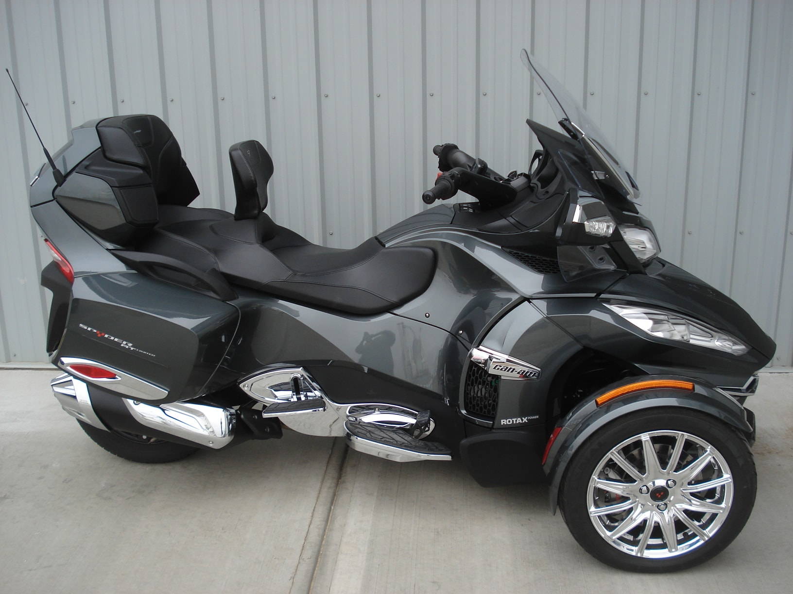 2017 CAN-AM Spyder  RT  Limited  SE6 Charcoal