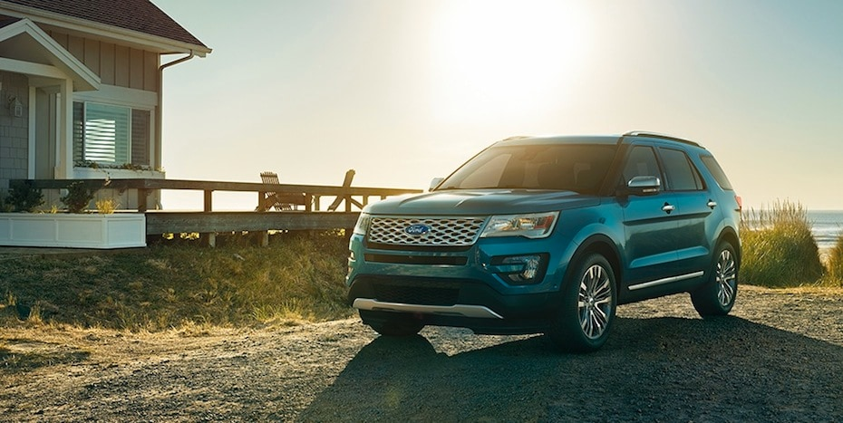 Prairie du Chien area 2017 Ford Explorer dealer
