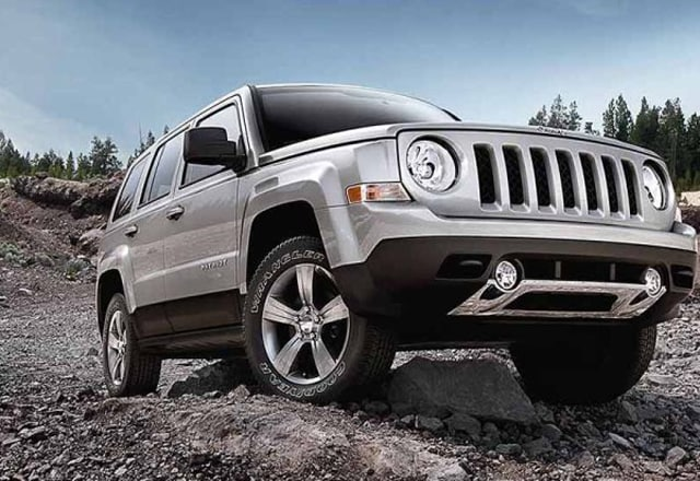 2016 jeep patriot review specs cleveland tn. Black Bedroom Furniture Sets. Home Design Ideas