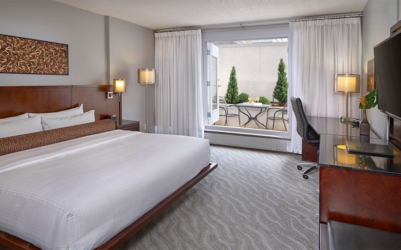 Matrix Hotel room
