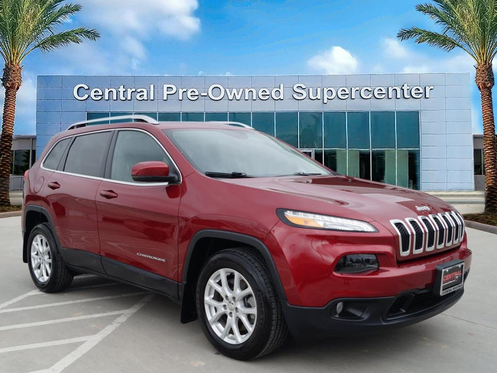 2017 Jeep Cherokee Latitude FWD This outstanding example of a 2017 Jeep Cherokee Latitude is offere