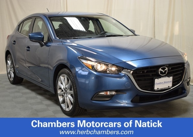 Pre-Owned 2018 Mazda3 5-Door Touring