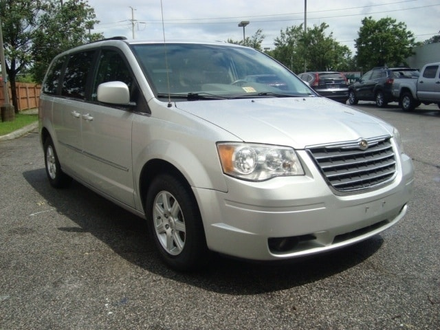 2010 Chrysler Town & Country Touring Minivan/Van