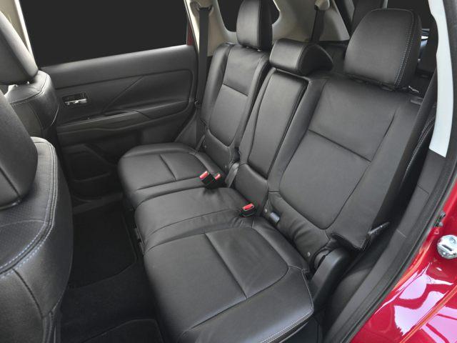 hours - 2016 Mitsubishi Outlander Interior