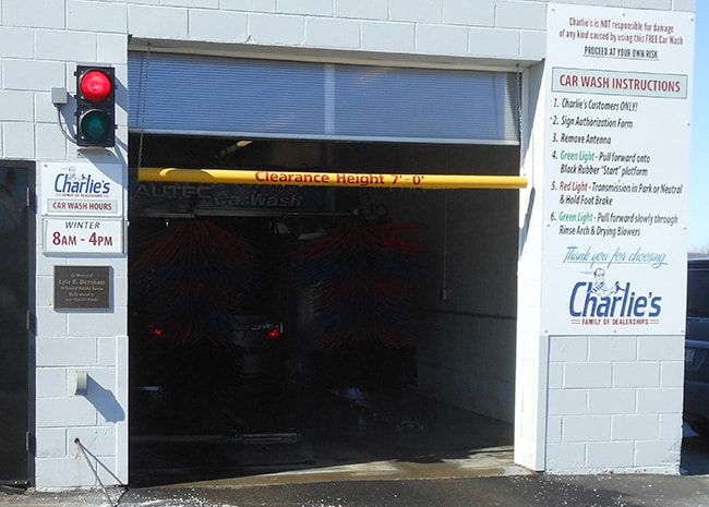 Charlie 39 s motor mall free car wash new jeep kia for Charlie s motor mall augusta me