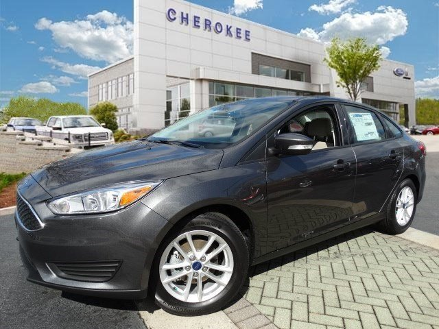 2015 Ford Focus SE SIRIUS Step into the 2015 Ford Focus Roomy comfortable and practical Ford