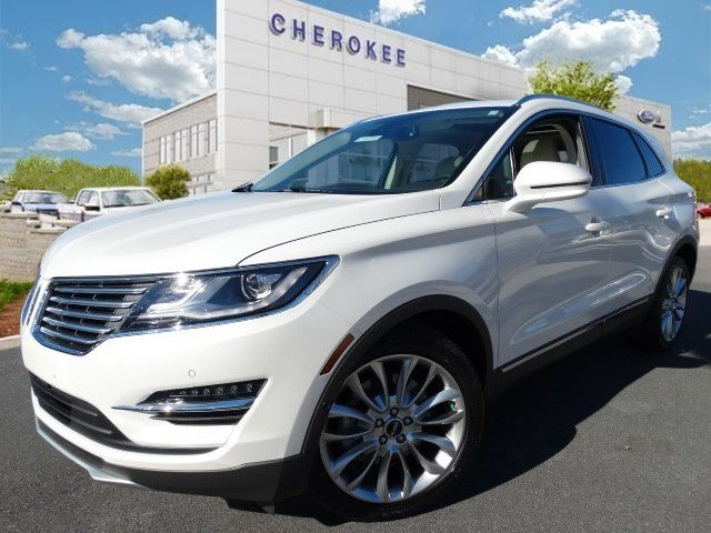2015 Lincoln MKC TECHNOLOGY PKG Step into the 2015 Lincoln MKC It delivers style and power in a si