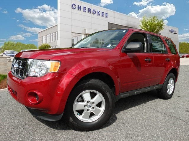 2011 Ford Escape XLS Heres a great deal on a 2011 Ford Escape Pure practicality in a stylish pac