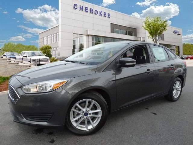2015 Ford Focus SE Hurry and take advantage now Climb inside the 2015 Ford Focus This is an exce